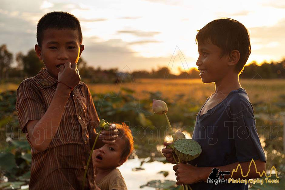 kids lotus flowers siem reap photo tour