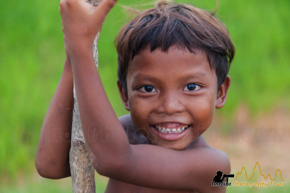 siem reap photography tour cambodia kid portrait